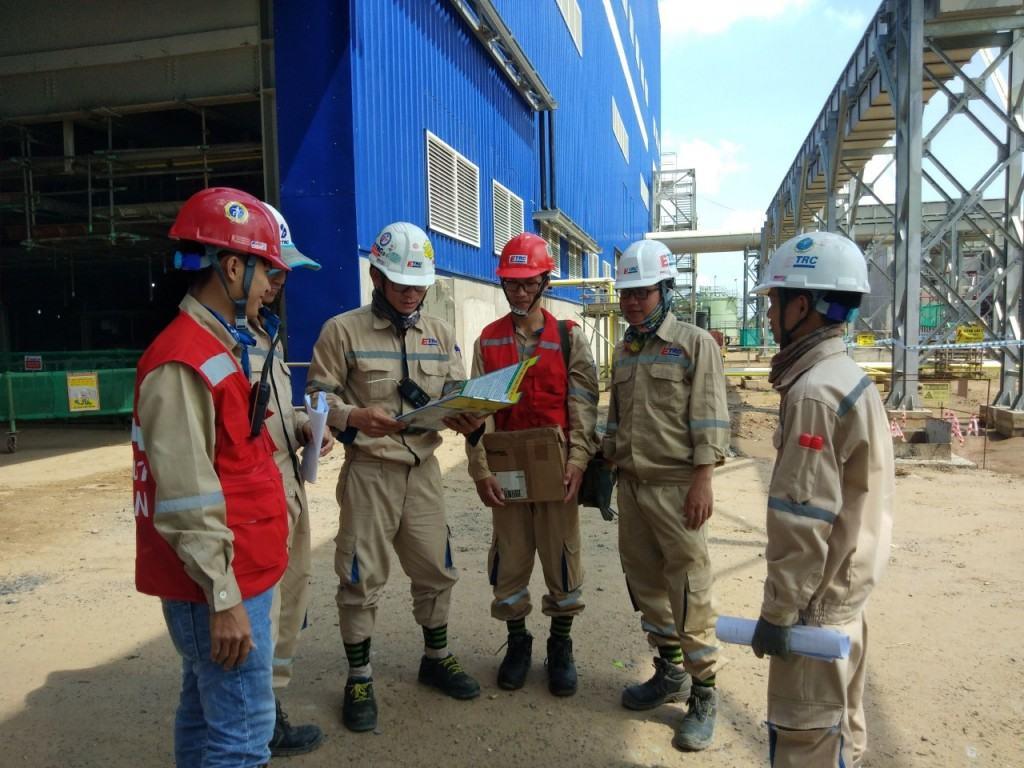 Đội ngũ kỹ sư ETRC tại công trường nhà máy Nhiệt điện Sông Hậu 1